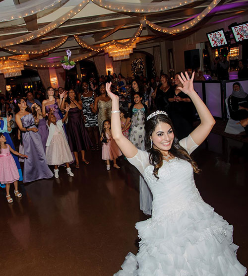 Nancys-NJ-Dream-Wedding-Reception-Tossing-the-Bouquet